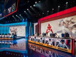 入圍賽 / Crash 李星佛山無影腳,帶領 HKA 以小組第一晉級淘汰賽!